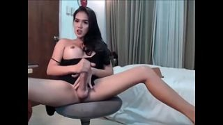 Trans shemale cumming on live with dildo in ass